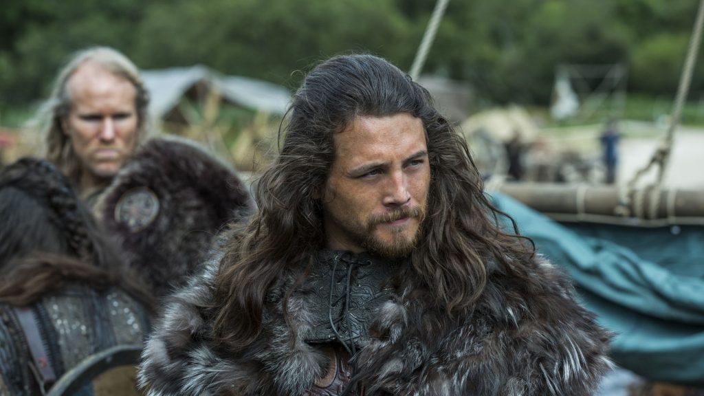 Распущенные длинные волосы - прическа викинга