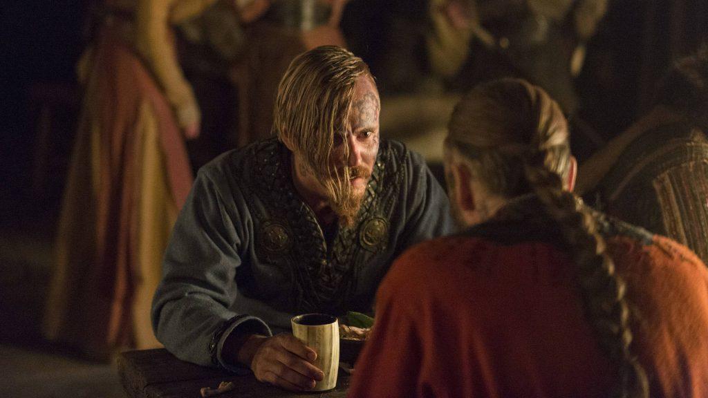 Прическа викинга конунга Харальда Прекрасноволосого сзади